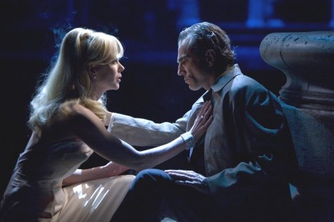 Nicole Kidman and Daniel Day-Lewis in Nine