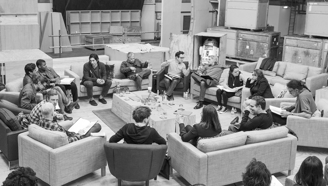 THE STAR WARS EPISODE VII CAST HAS BEEN ANNOUNCED!!!!