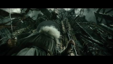bande-annonce-de-_the-hobbit-la-dc3a9solation-de-smaug_-version-longue-mp4_000020240