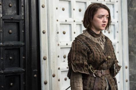 game-of-thrones-arya-in-the-house-of-black-and-white