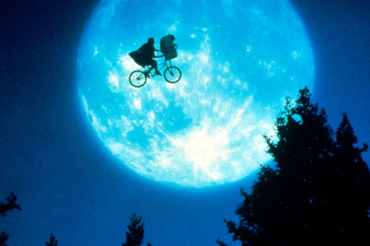 "My Favorite Scene: E.T. The Extra-Terrestrial (1982) ""Flying Bicycles"""