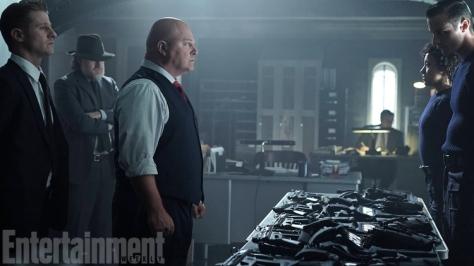 Michael Chiklis, Captain Nathaniel Barnes, Gotham, Gotham Season 2
