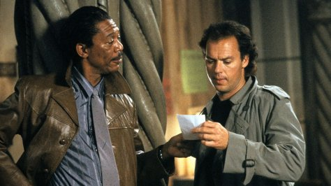 Morgan Freeman and Michael Keaton in Clean and Sober