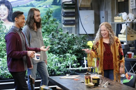 Kathy Bates in Disjointed