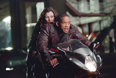 Will Smith and Bridget Moynahan in I, Robot
