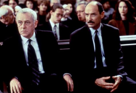 John Mahoney and Terry O'Quinn in Primal Fear