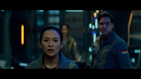 Ziyi Zhang and Daniel Bruhl in The Cloverfield Paradox