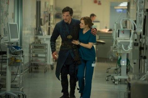Benedict Cumberbactch and Rachel McAdams in Doctor Strange